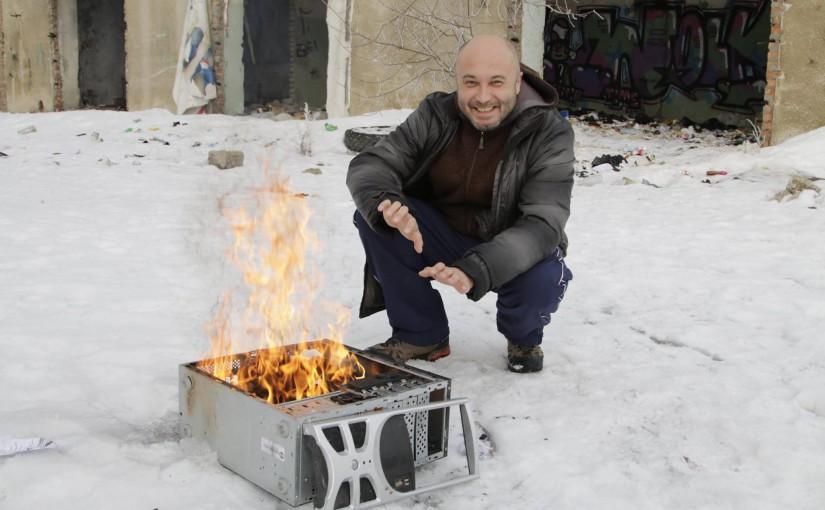 Сжечь телевизор, компьютер и за Волгу, к Пугачеву?