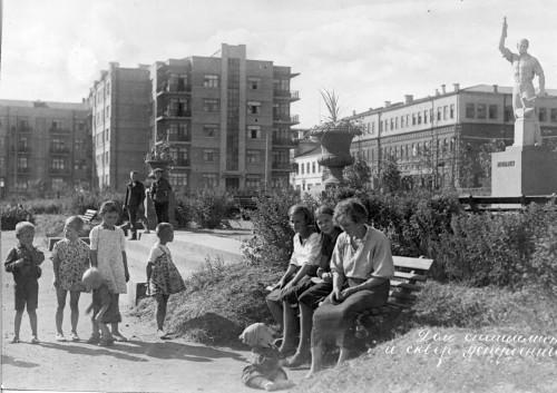 Исторический календарь Самары: 8 июля. Памятник Александру II (1888), 12 коп. десяток яиц (1891), первая воздушная тревога(1942)