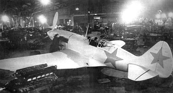 Сборка самолета МИГ-3