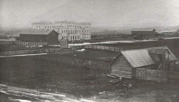 Один из первых снимков ЖД вокзала в Самаре. 1875 г.