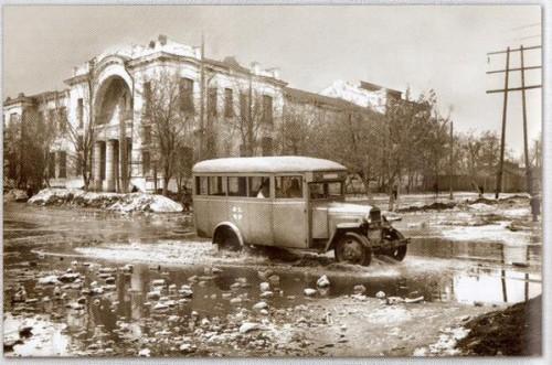 Исторический календарь Самары: 30 марта. Появились первые «Фиаты» (автобусы) (1926), страшный пожар в Юнгородке (1943), первый эшелон из Куйбышева в Сталинград со строительными материалами (1943)
