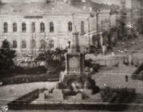 Исторический календарь Самары: 7 ноября. Открыли памятник В.Ленину на площади Революции (1927), исторический парад на пл.Куйбышева (1941), как отмечали 7 ноября в Самаре -Куйбышеве в разные годы